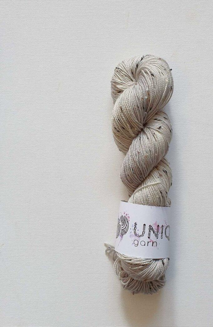 UniQ Tweed Silverdust